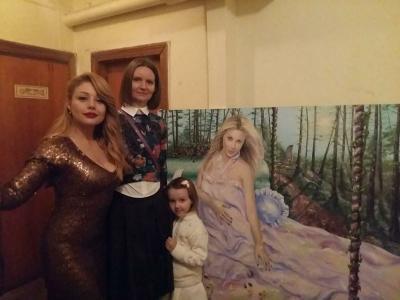 Калуська художниця подарувала Тіні Кароль її портрет
